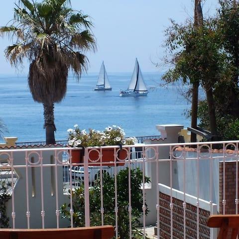 Room 01 B&b Villa sul Mare