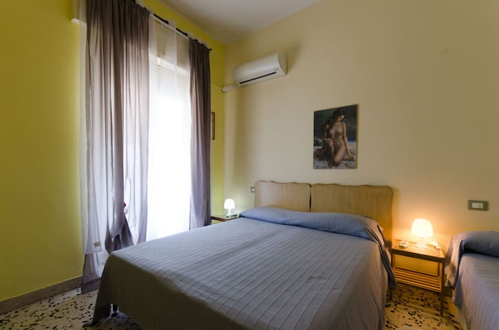 Sant'antonino family room's hotel - Letojanni - Bed & Breakfast