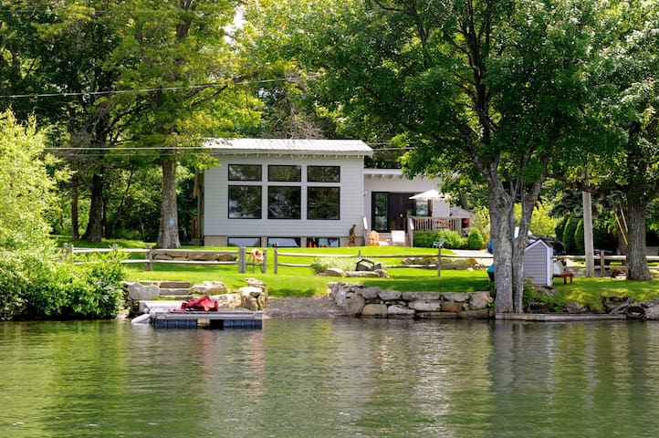 Lakefront Luxury on Masten Lake