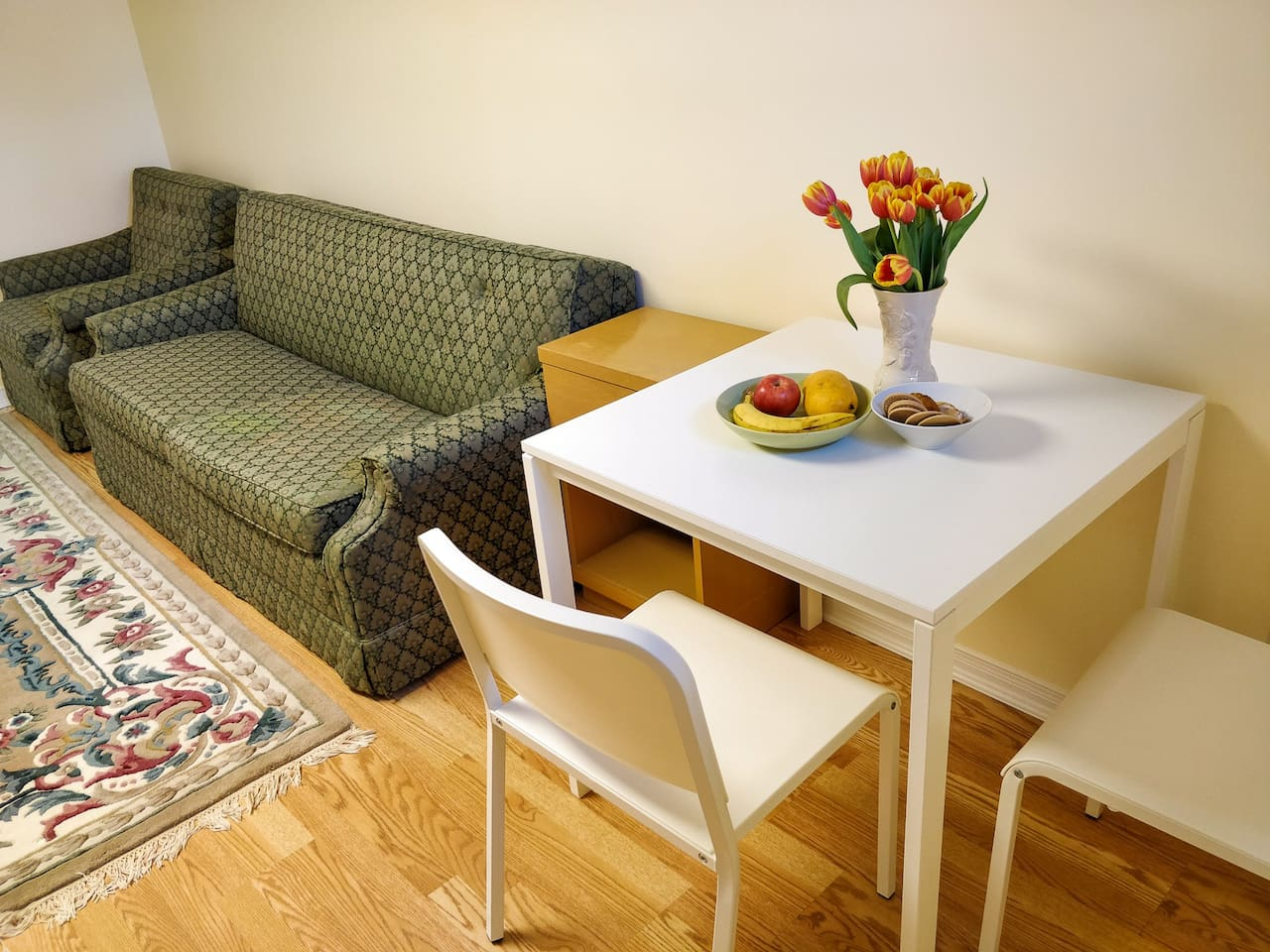 Dining area, extendable sofa and arm chair