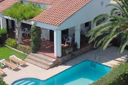 Villa con piscina privada - Cala Galdana - Huis