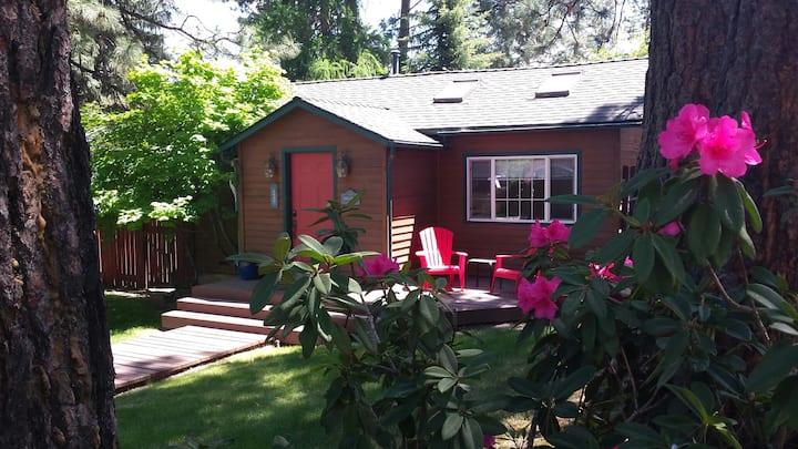 The Sunrise Cottage: Bend's Trendy Westside