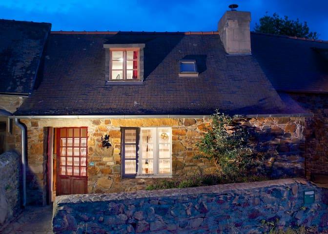 Charmante Maison Bretonne porch de la mer - Lézardrieux - Ferienunterkunft