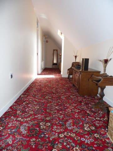 Laccaroe House B&B - Room 2 Twin - Feakle - Bed & Breakfast