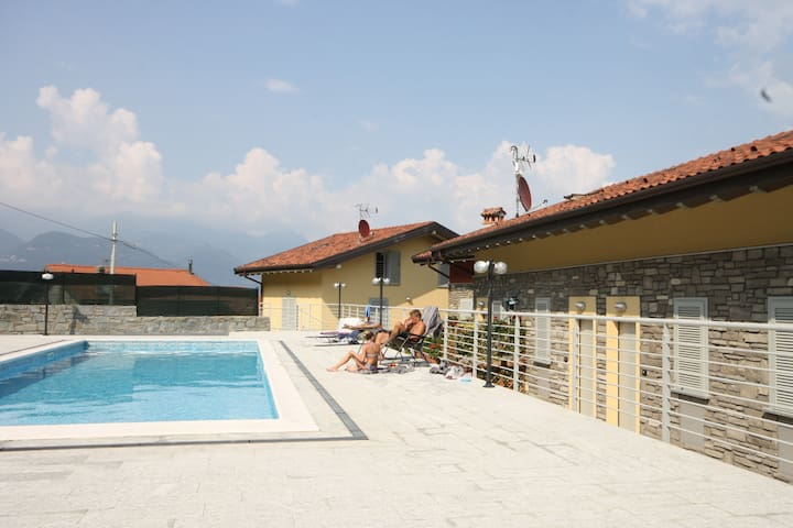 New Condo WITH POOL Sant'Anna Fuxia - Pianello del Lario - Apartamento