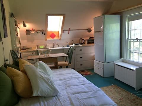 Studio Apartment w/ Shared Bath