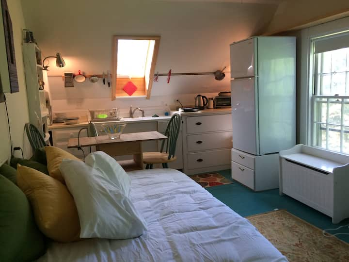 Studio Apartment w/ Shared Bath