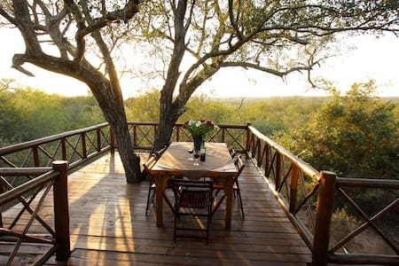 Majuli Safari Treehouse - Kruger Park - Marloth Park - House