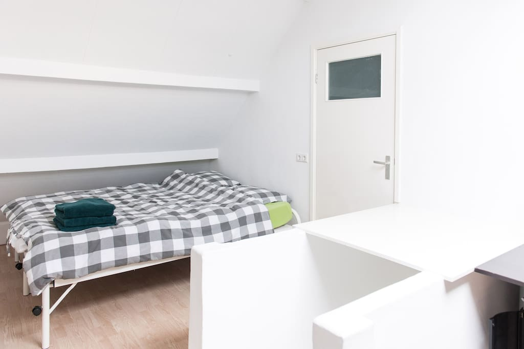 The double bed on the attic can also be split in 2 single beds