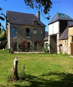 Massive beautiful en-suite attic available - Saint-Maden
