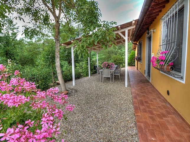 Villa con piscina nel Chianti - มอนเตวาร์ชิ - วิลล่า