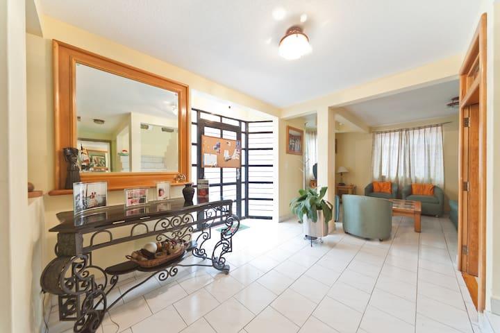 Rooms near UVM Lomas Verdes