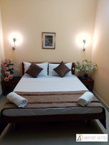 Budget Room Near Domestic Airport - New Delhi - Bed & Breakfast
