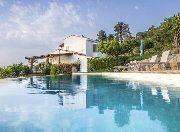 Villa de 3 chambres à Catuté, avec magnifique vue sur la mer, piscine privée, jardin aménagé - à 2 km de la plage