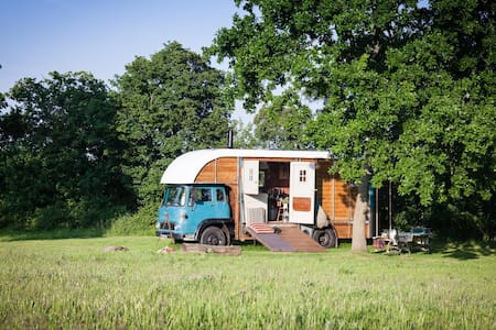 Cosy Converted Vintage Horse Box - Chata