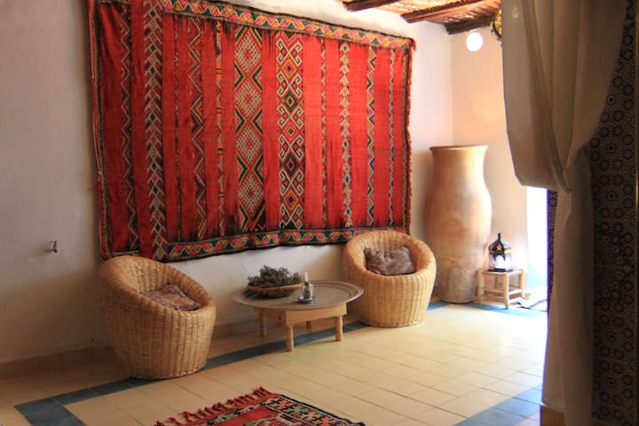 Beautiful Moutain Riad Room 5 - Ait Bihi - Bed & Breakfast