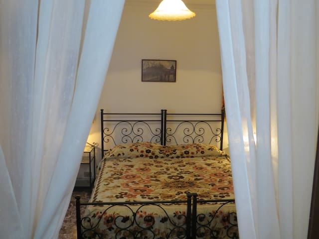 Camera Alicudi - b&b sui Nebrodi - Galati Mamertino - 家庭式旅館