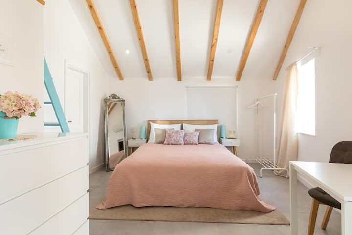 Guest House Maris - Room with gallery 4*