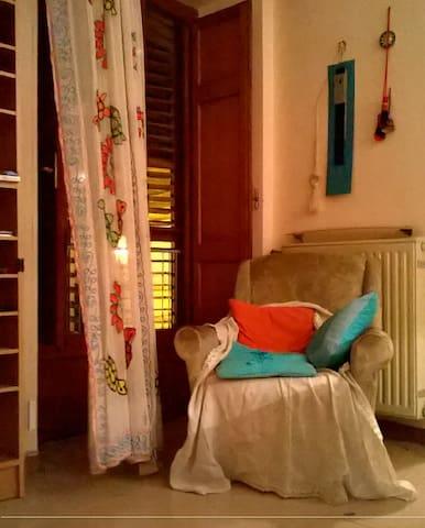 camera con piano cottura e bagno - Grotte - Σπίτι