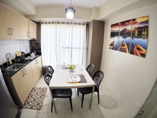 PROMO RATE 1BR w/ TAAL view&WIFI - Tagaytay - Condominium