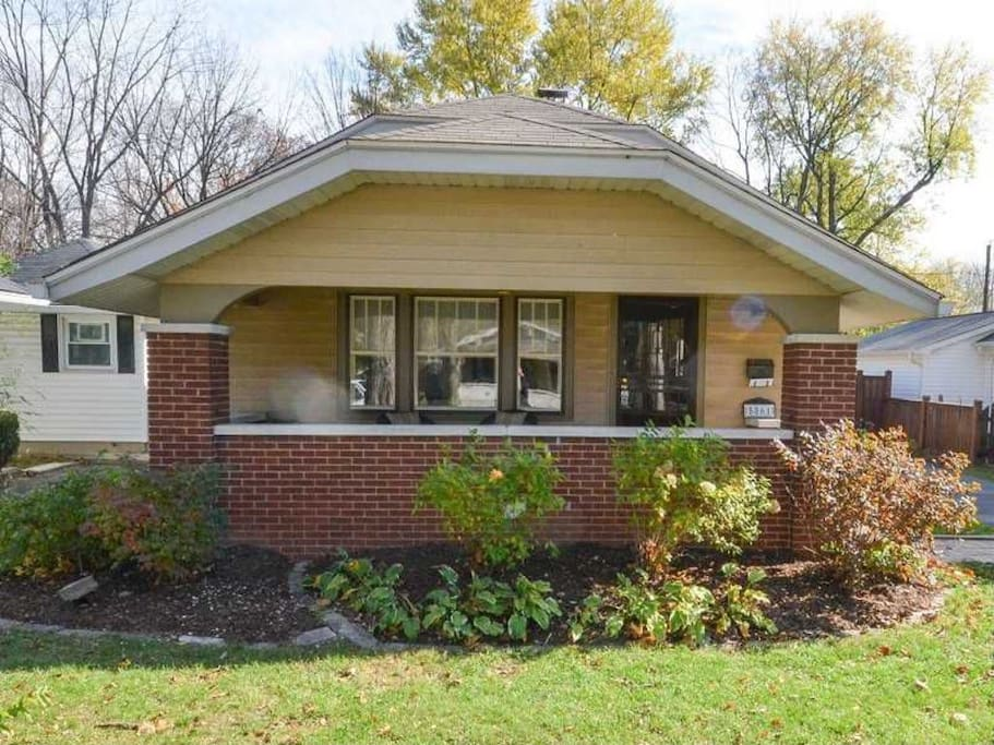 Beautiful broad ripple bungalow houses for rent in indianapolis indiana united states for 3 bedroom houses for rent in indianapolis indiana