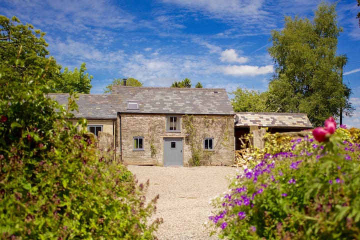Hay on wye: Shepherd's Shack (Farm activities B&B)