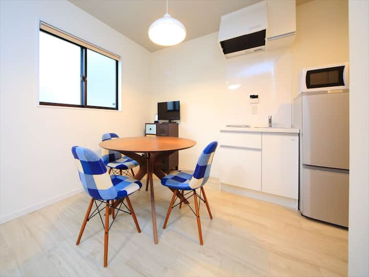 Great location! Cozy studio apart/Free Wi-Fi