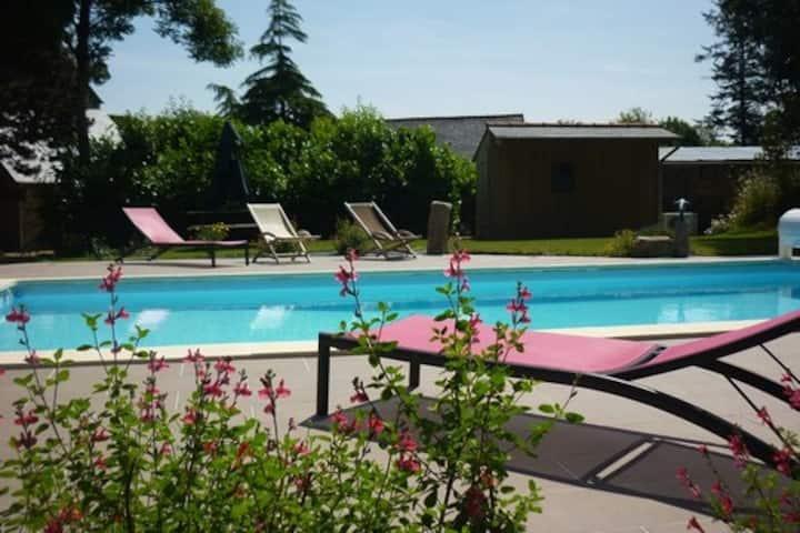 Gite Trégor avec piscine et jacuzzi