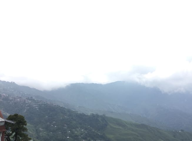 COMFORT of home !! - Darjeeling - Apartamento