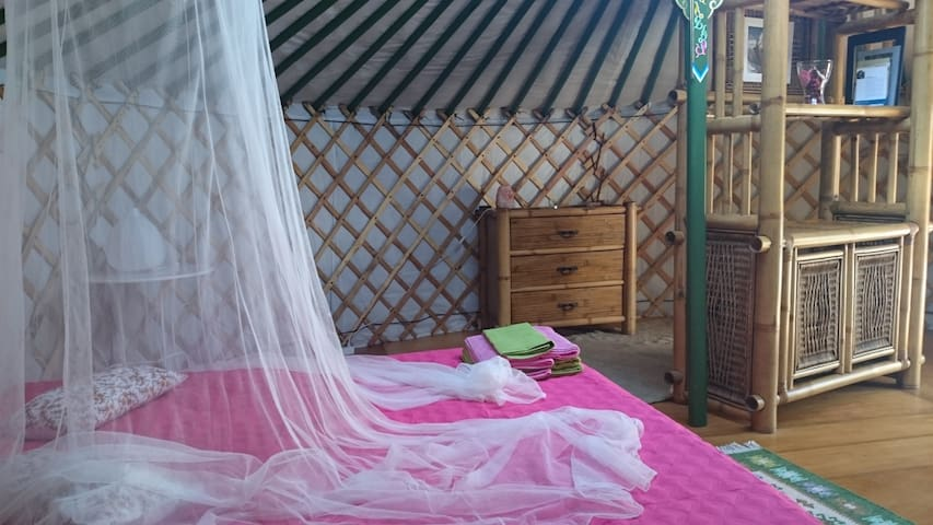 Casa Serena - Bed & Breakfast Yurt - Mala - Yurt