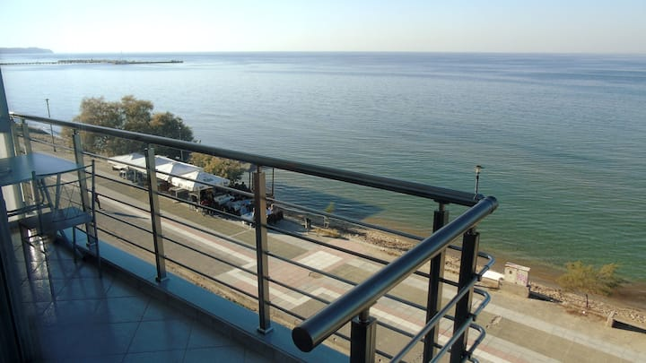 Perea flat on the beach with sea view