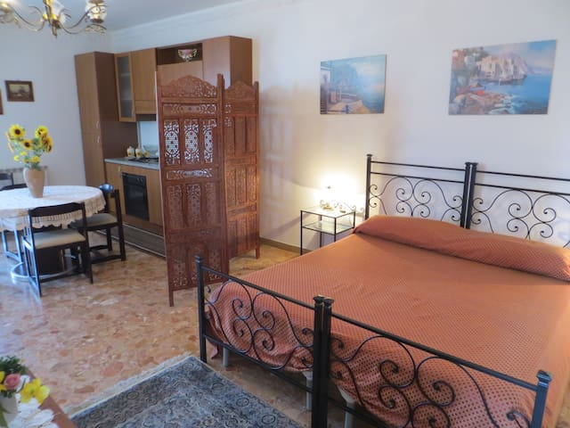 Camera Vulcano - b&b sui Nebrodi - Galati Mamertino - 家庭式旅館