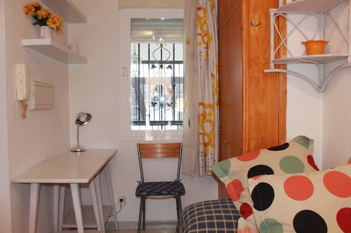 Cosy Studio flat center city +wifi