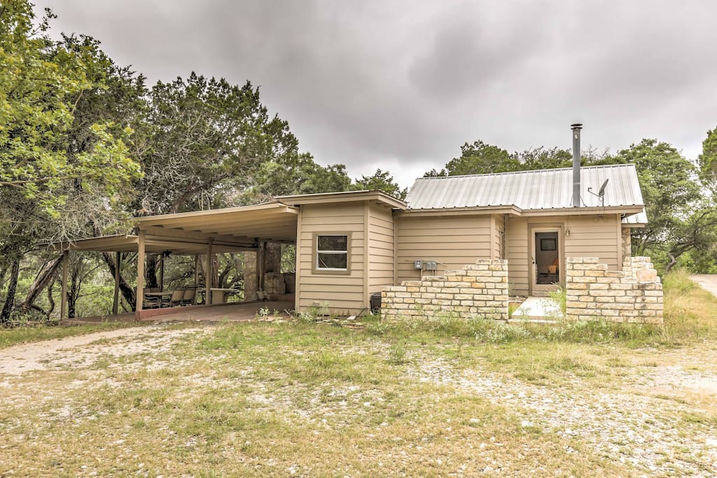 This Hill Country home is perfect for a hunting trip or a simple escape.