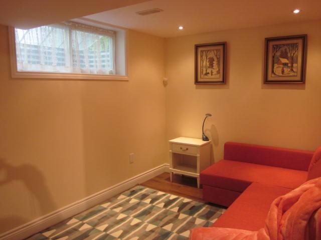 Cozy 2 bedroom unit in basement