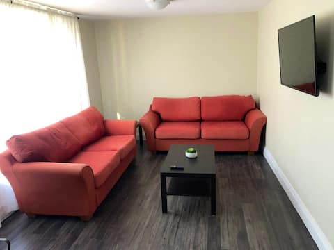 Beautiful modern 2 bedroom *entire apartment*