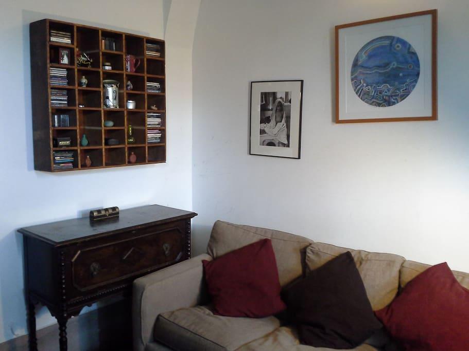 Living Room w/ Hide-a-Bed Sofa