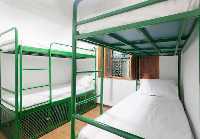 Dormitorio 8 Camas Misto - Belo Horizonte