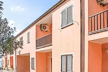 Holiday apartment with 2 bedrooms on 55m² in Isola Rossa