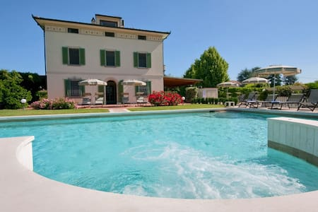VILLA COLOMBAI GOURMET IN THE HEART OF TUSCANY - Orentano