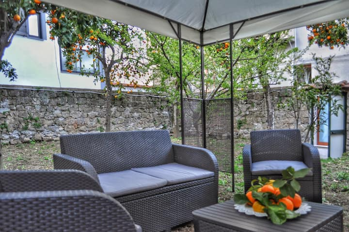 Hot Peppers Apartment With Private Garden