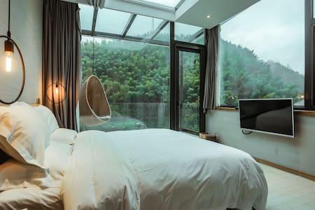 黄山南大门 翡翠谷景区  星空大床房 泳池 松萝