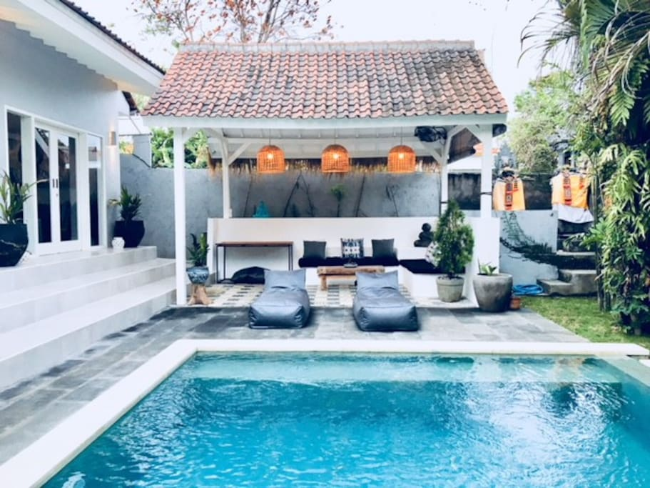 Deep Cool Pool, Outdoor Entertaining & Sunbeams (private House Temple to back right side)