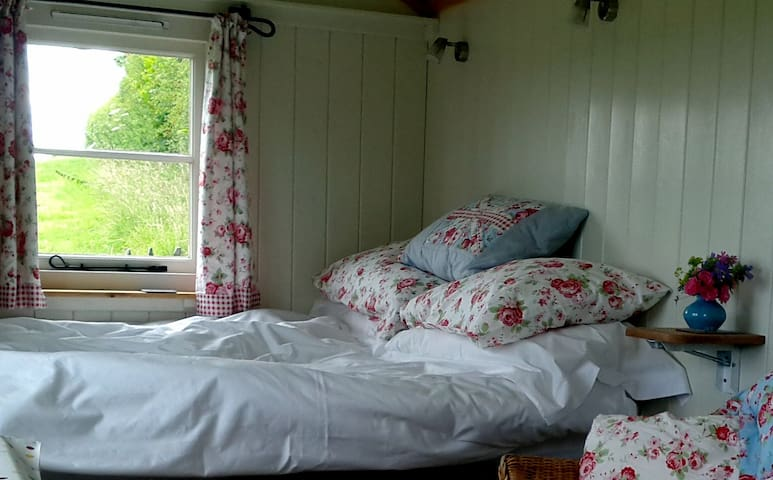 Romantic, peaceful Shepherds Hut  - Launceston - Chata