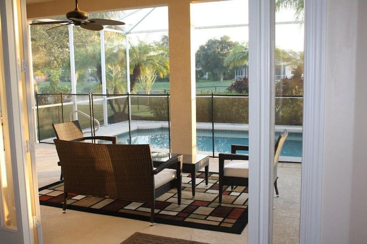 Luxurious 3 Bedrooms Sleeps 8 - Naples - Hus