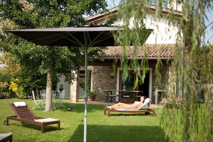 Casa RONCÙS - Capriva del Friuli - บ้าน