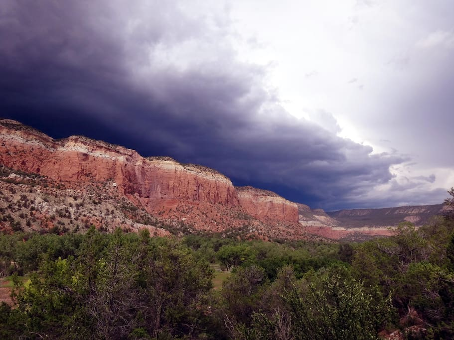 Thunderstorm clouds above Mesa Golondrino