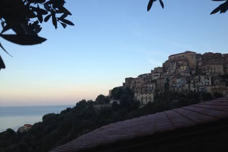 Mediterranean Splendour Villa Fiori - Vila