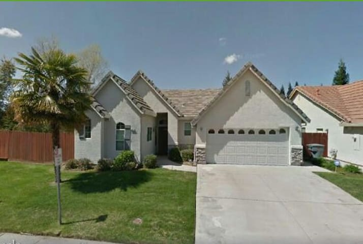 Amazing clean nicely furnished home - Granite Bay - Hus