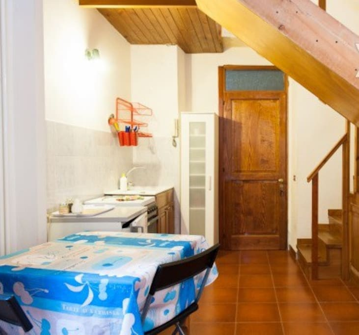 Monolocale mirto nel cuore di napoli lofts louer for Airbnb napoli